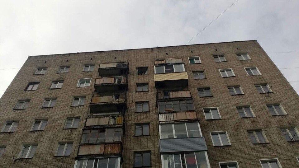 ВКирове уподъезда дома наСурикова обнаружили тело 34-летнего мужчины