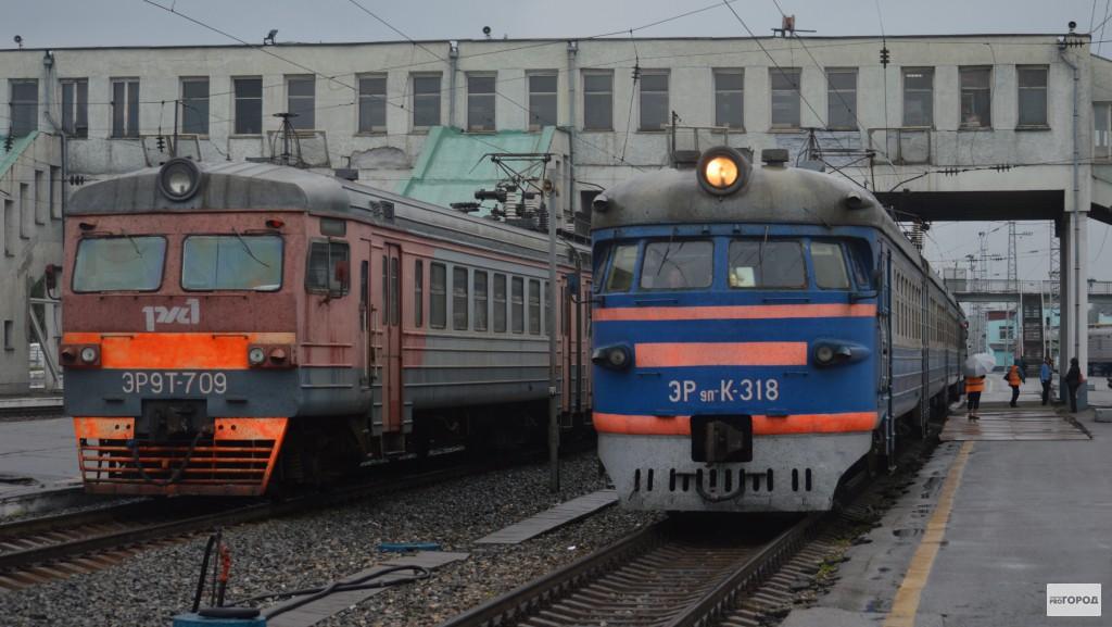В Кировской области грузовой поезд сбил мужчину