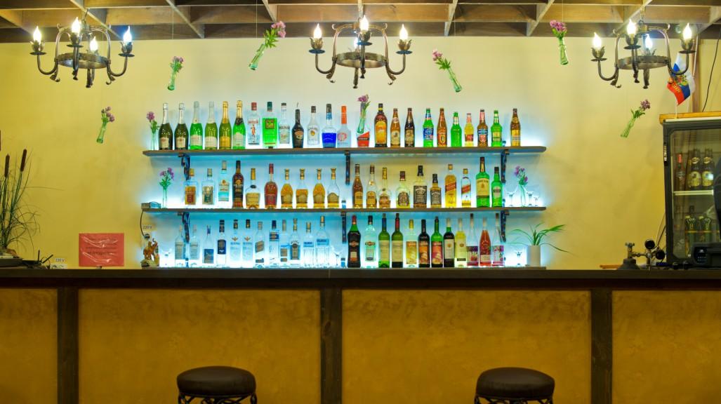С 1 января 2016 года рестораны, бары и кафе могут остаться без алкоголя