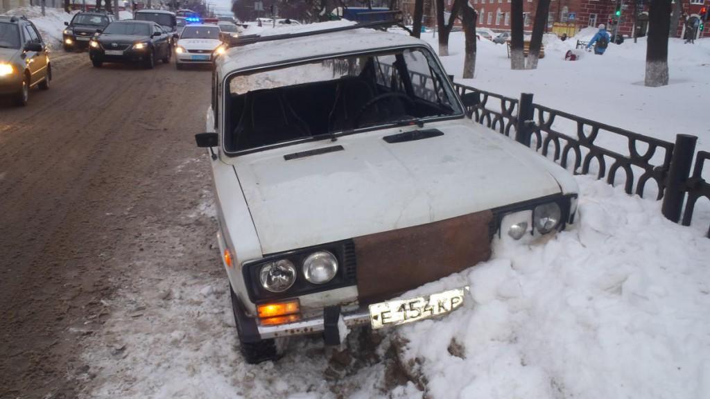 Видео: водитель «шестерки» сбил пешехода в Кирове