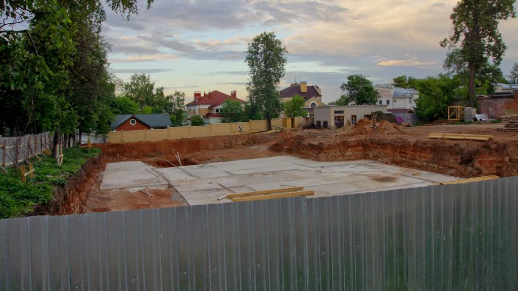 В исторической части Кирова начинают строить очередную высотку