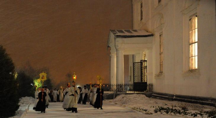 На Пасхальное богослужение в Кирове пришли более тысячи горожан
