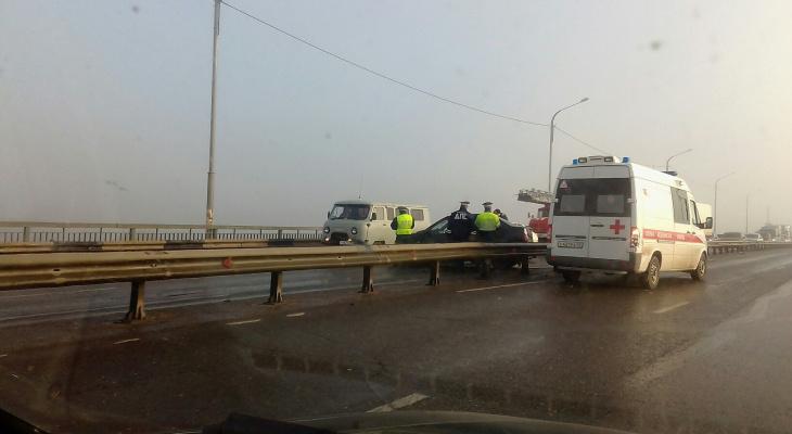 Утром на Новом мосту за пять минут произошло три ДТП