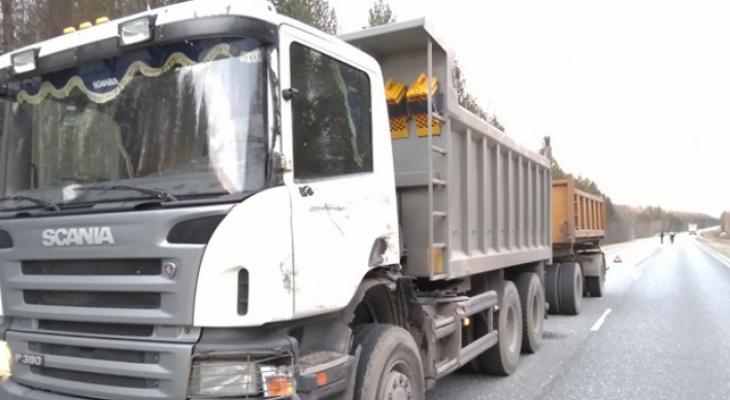 Новая дорога Киров-Русское начала разрушаться из-за большегрузов