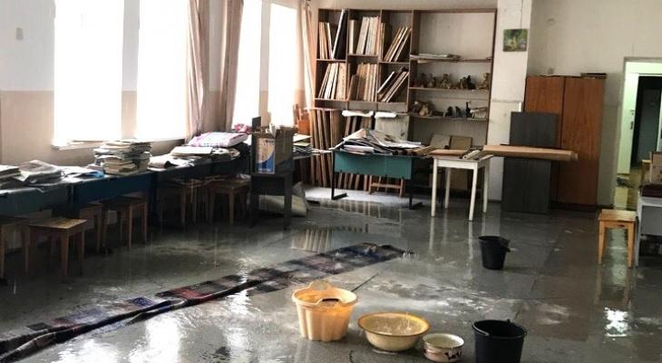 В Кировской области из-за проливных дождей затопило художественную школу