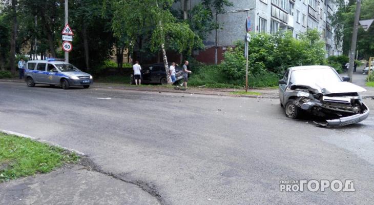 В центре Кирова столкнулись «ВАЗ» и Opel: есть пострадавшие