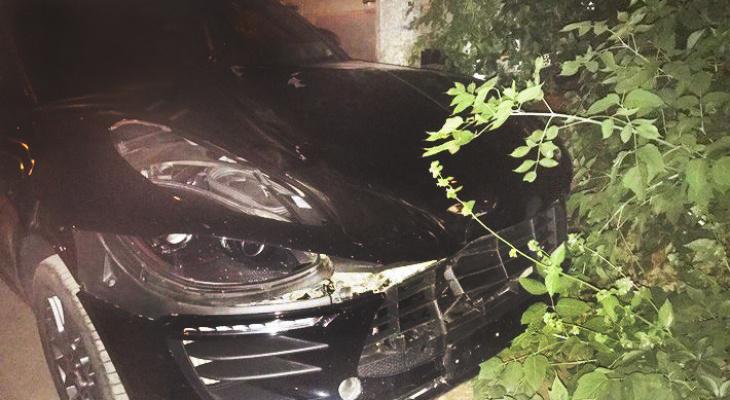 Пьяный кировчанин протаранил Porsche и еще несколько авто, чтобы отомстить работодателю