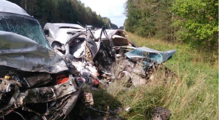 «Когда я подбежала, мужчина в «аварийке»  был еще жив»: очевидцы рассказали подробности ДТП на Советском тракте