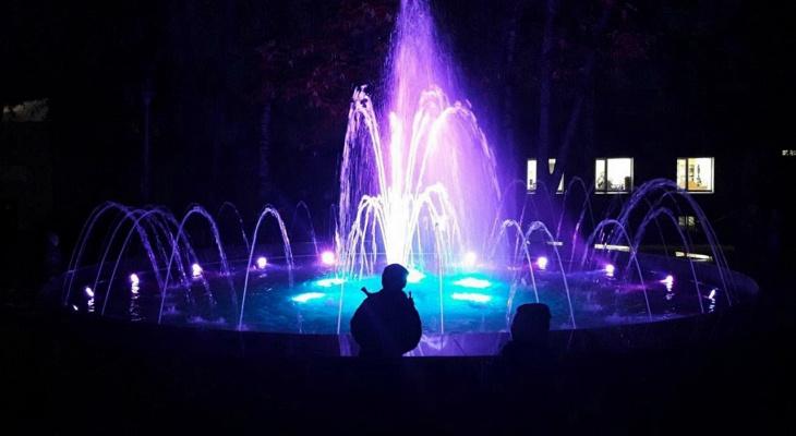 В Котельниче запустили световой фонтан стоимостью два миллиона рублей