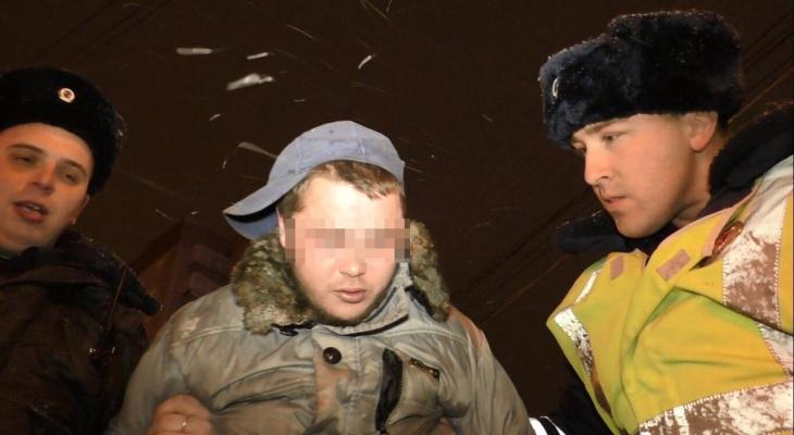 В Кирове пьяный сотрудник автосервиса угнал кроссовер и спровоцировал погоню