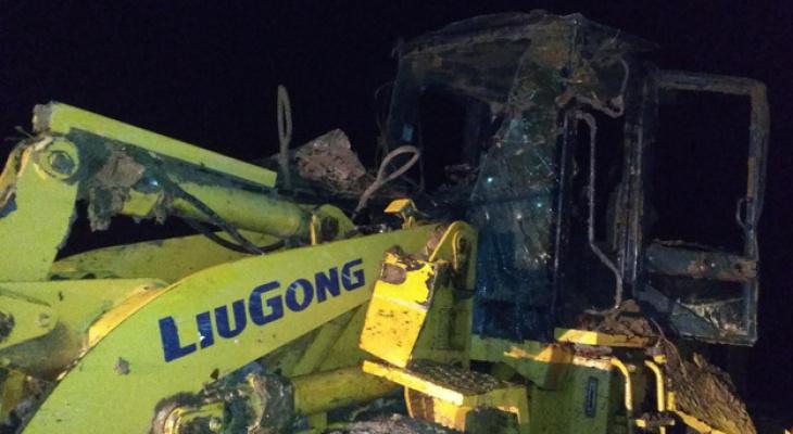 В Кировской области водитель погрузчика погиб, съехав с трассы в карьер