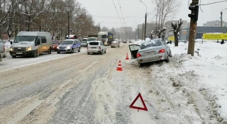 В Кирове мужчина умер за рулем своей иномарки