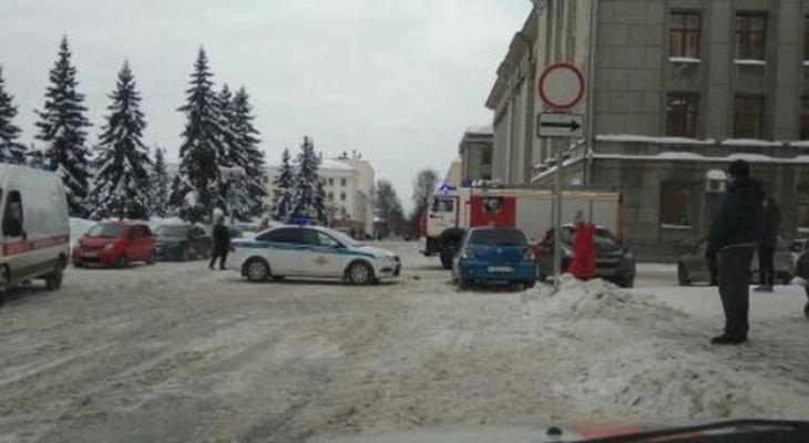 После ложных сообщений о минировании зданий в Кирове завели уголовное дело