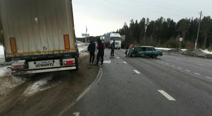 Серьезная авария на трассе Подгорянка – Шихово: на месте работает скорая