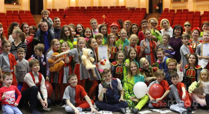 Устами детей о взрослых проблемах: в Кирове состоялась премьера детского мюзикла «Гости в будущее»
