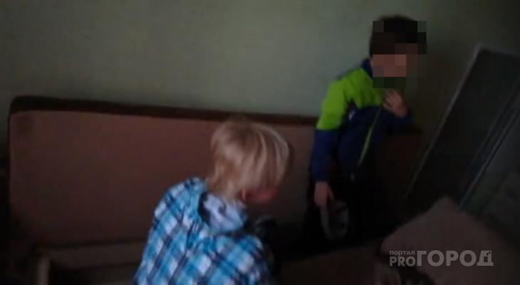 Появилось видео с места задержания незнакомца, который увел к себе домой двух мальчиков