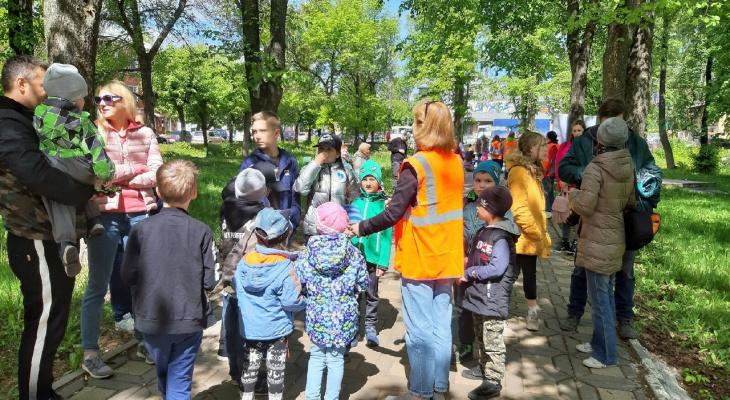 Волонтеры поискового отряда «Лиза Алерт» организовали квест в сквере Дружбы