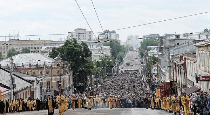 В Великорецкий крестный ход ушли 27 тысяч паломников