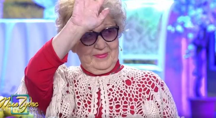 Пенсионерка из Вятских Полян украсила Леонида Якубовича шляпкой