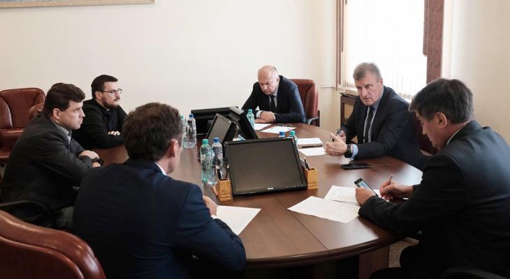 """В правительстве отреагировали на два митинга против """"Марадыковского"""""""