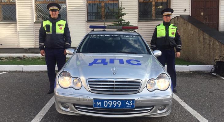 На байк-фестивале в Кучанах полицейские спасли женщину с ребенком из горящего авто