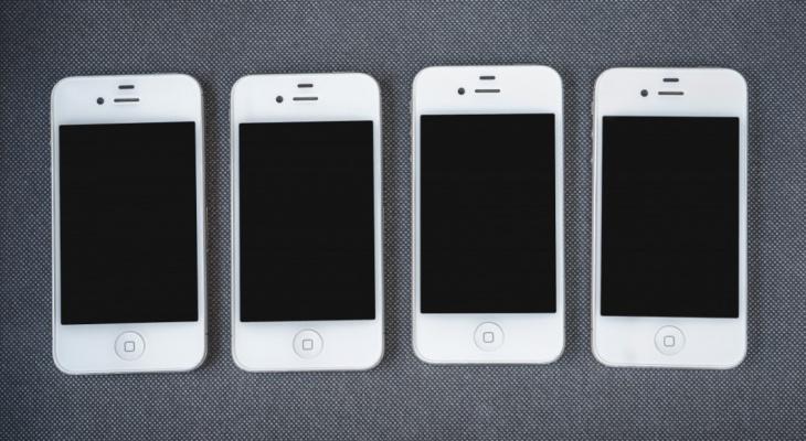 Из кировского салона связи украли 22 смартфона за раз