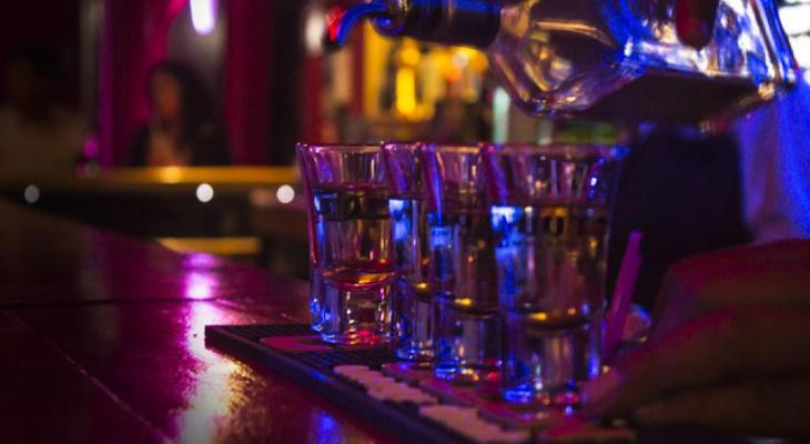 В Кировской области женщина устроила дебош в баре