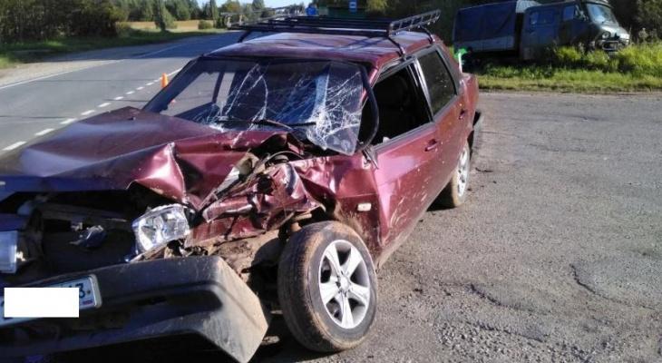 В Кировской области столкнулись ВАЗ и УАЗ, пострадали два ребенка