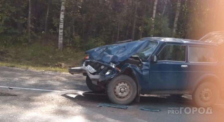 Огромная пробка на трассе: в Кировской области столкнулись две «Нивы»