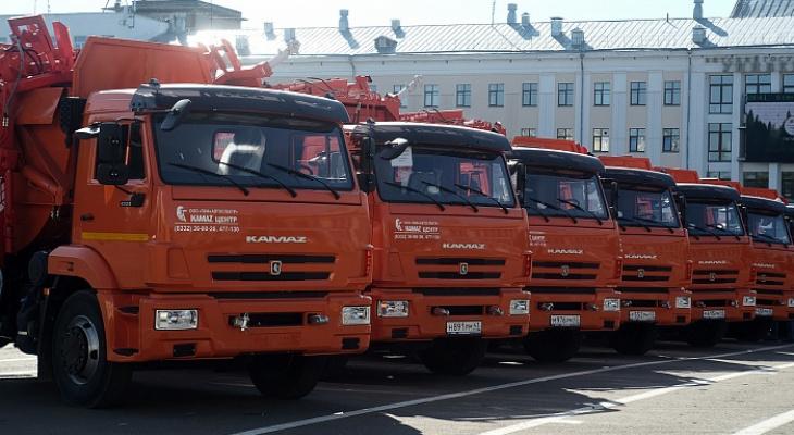 Кировская область получила 18 новых мусоровозов