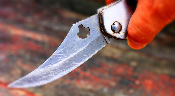 В Кировской области мужчина напал с ножом на полицейского