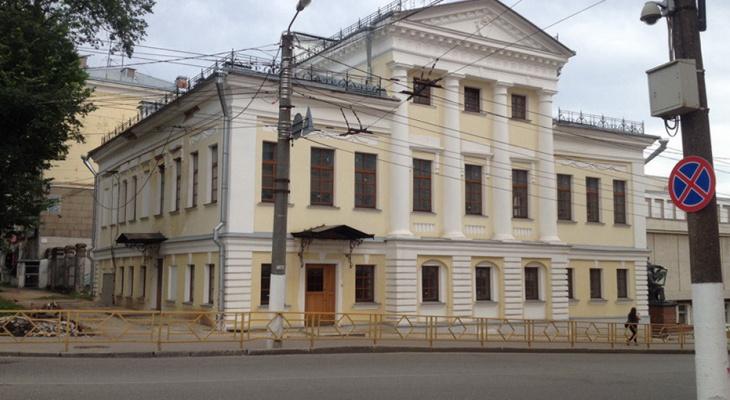 В Кирове могут завести уголовное дело на фирму, отремонтировавшую особняк Репина