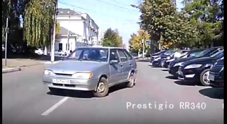 В пятницу, 13 по Кирову ездила машина без водителя