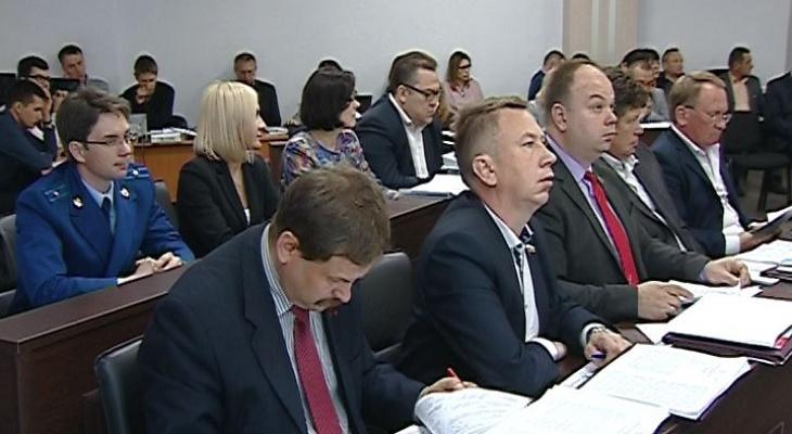 В Кирове депутатов ограничат в высказываниях на заседаниях думы