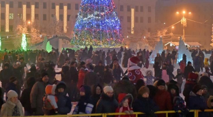 Стало известно, сколько планируют выделить на оформление Кирова к Новому году