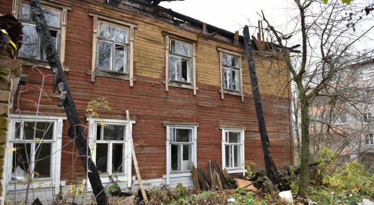 В Кирове заброшенные здания рядом со школами законсервируют