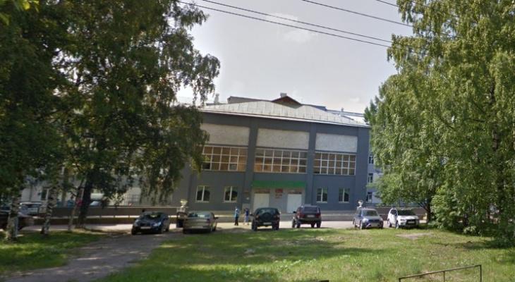 Поликлинику на Лепсе хотят закрыть: проверка слухов