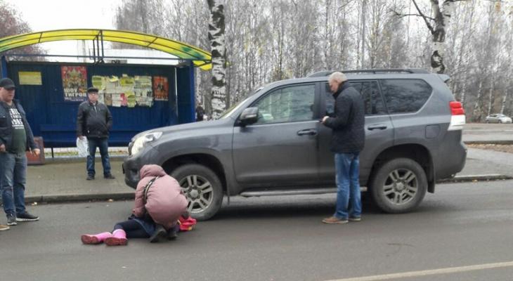В Кирове автомобиль сбил девочку, идущую по «зебре»