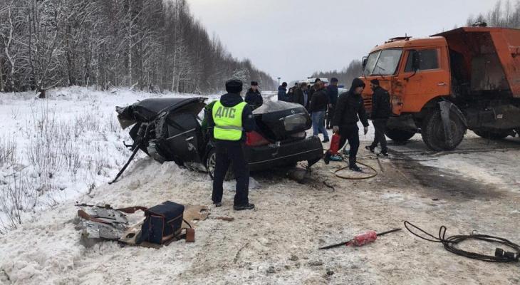 Известно состояние ребенка, пережившего два страшных ДТП за день в Кировской области