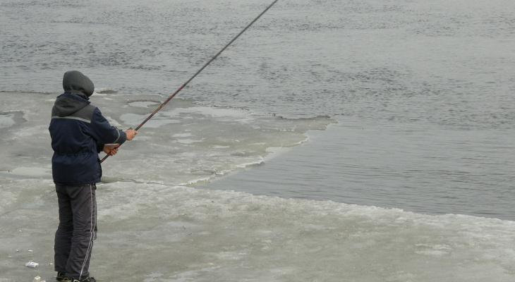 Трое рыбаков из Кировской области провалились под лед и утонули