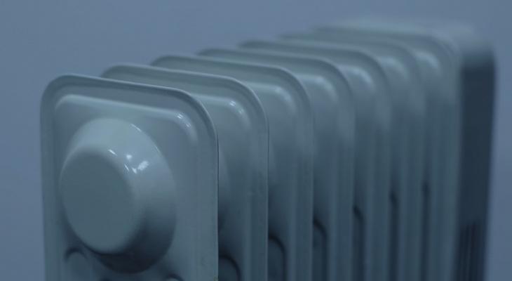 В Котельниче два года начисляли плату за отопление жительнице, у которой демонтировали батареи