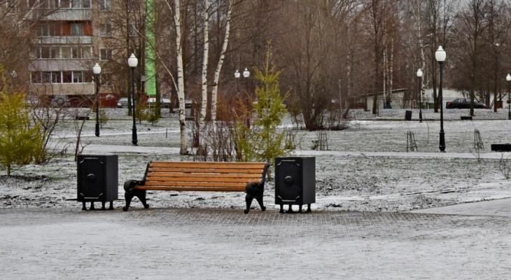 В Кирове впервые на зиму не уберут скамейки и урны с улицы