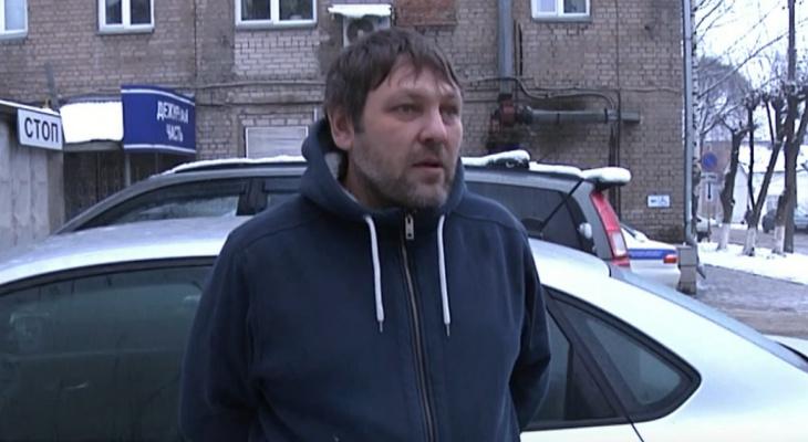 В Кирове таксист спас 91-летнюю пенсионерку от мошенника