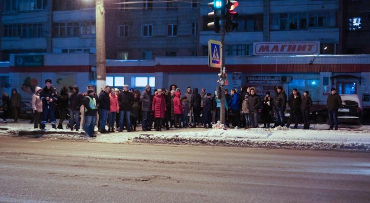 Мама сбитой насмерть девочки на Московской собрала подписи за строительство подземного перехода