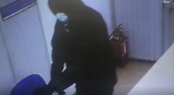 Кировчанин дважды нападал на сотрудников офисов микрозаймов с ножом