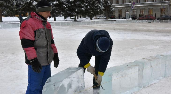Лед для лабиринта на Театралке везут за 1000 километров от Кирова