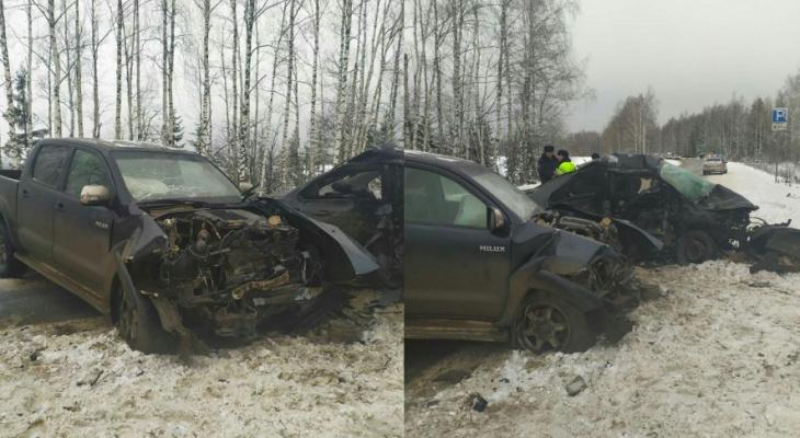 """На трассе """"Вятка"""" в аварии погибли три человека, в том числе 5-летняя девочка"""