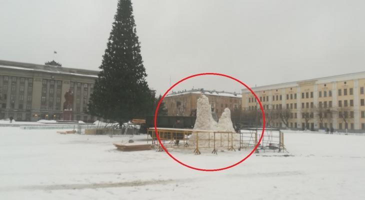 В администрации Кирова рассказали, куда пропали снежные фигуры с Театралки