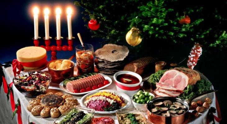 Никакой говядины и пюре: блюда, которых не должно быть на новогоднем столе