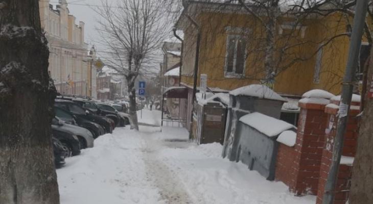 Несмотря на предупреждение, максимальное количество дворников не вышло на улицы Кирова